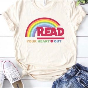 Tops - Reading Rainbow Graphic T-shirt Made in USA Ivory